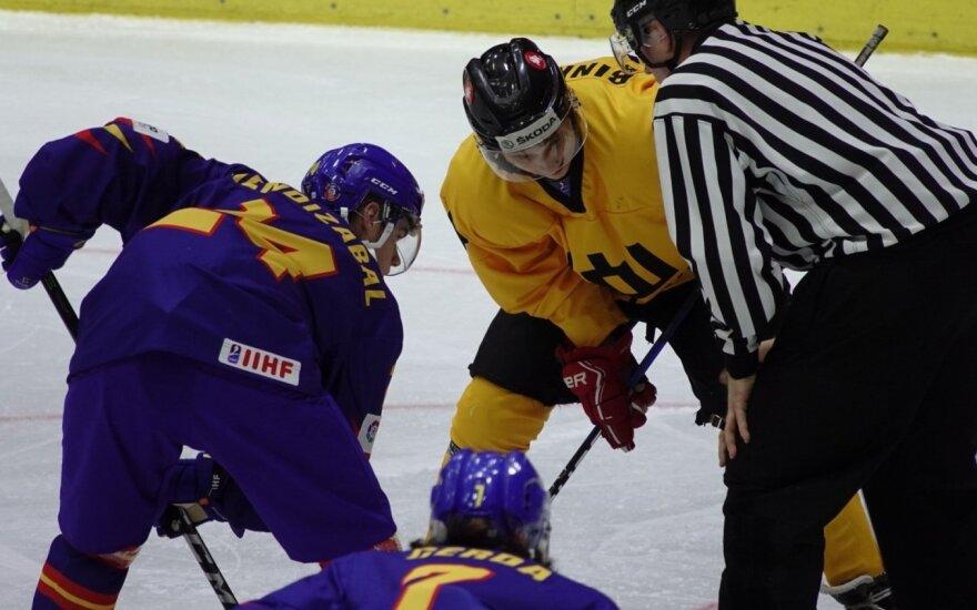 Lietuvos ir Ispanijos rinktinių rungtynių akimirka, pasaulio jaunimo (iki 20 metų) ledo ritulio čempionatas