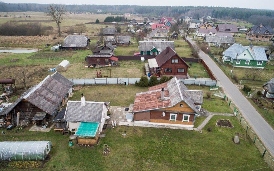 Vargas su kaimu: viltys atgaivinti regionus gali dužti į šipulius
