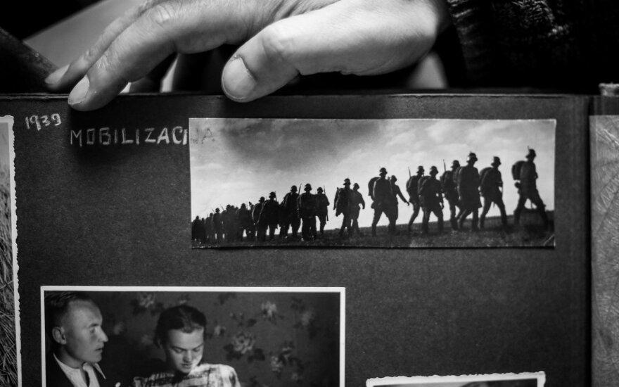 102 metų J. Murausko darytose nuotraukose – niekur neregėtos Lietuvos istorijos akimirkos