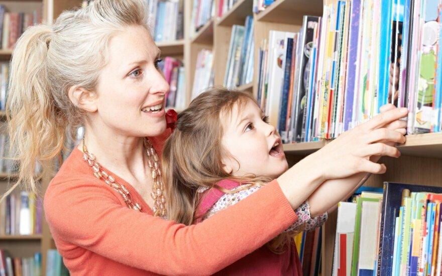 Patarė, kokias knygas rinktis vaikams pagal amžių: kas tiks penkiamečiams, o kas mokyklinukams?