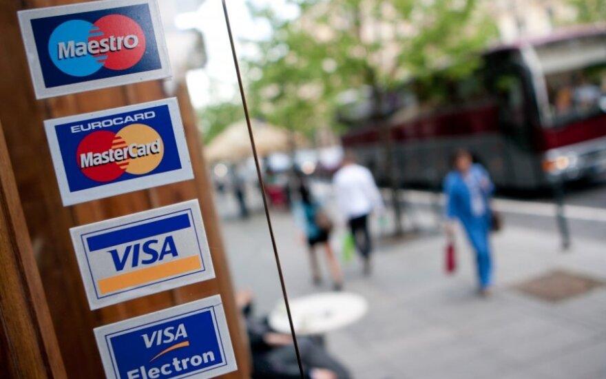 Mažesni banko kortelių mokesčiai: kiek naudos atiteks žmonėms?