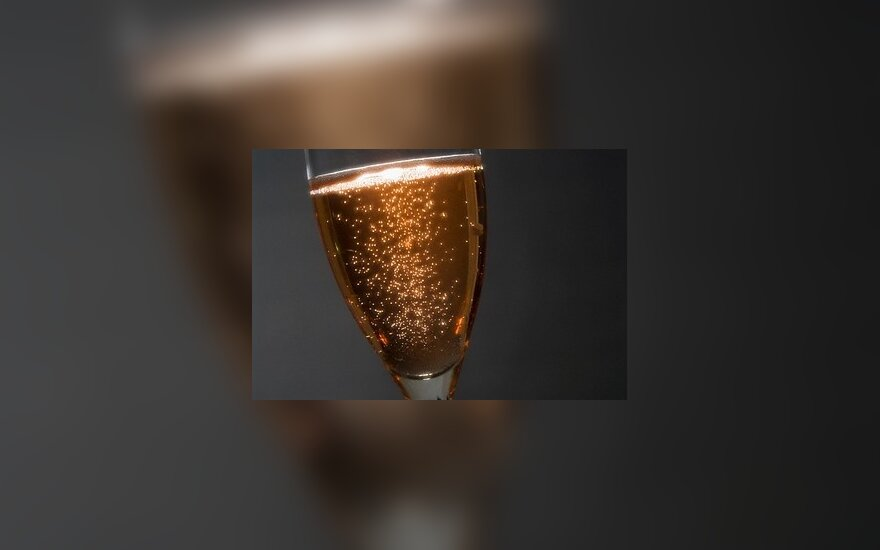 Vilniaus santuokų rūmuose uždraustas šampanas