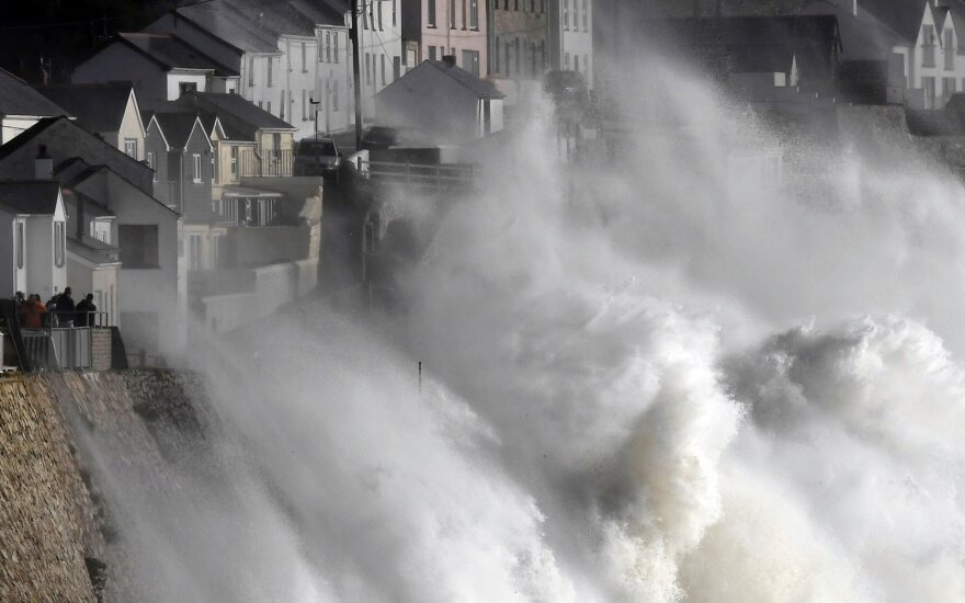Suomijos ekspertas turi planą, kaip išsigelbėti nuo katastrofos: klimato kaita kasdien kelia vis didesnę grėsmę