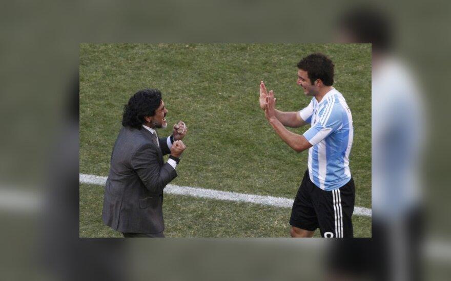 Diego Maradona ir Gonzalo Higuainas