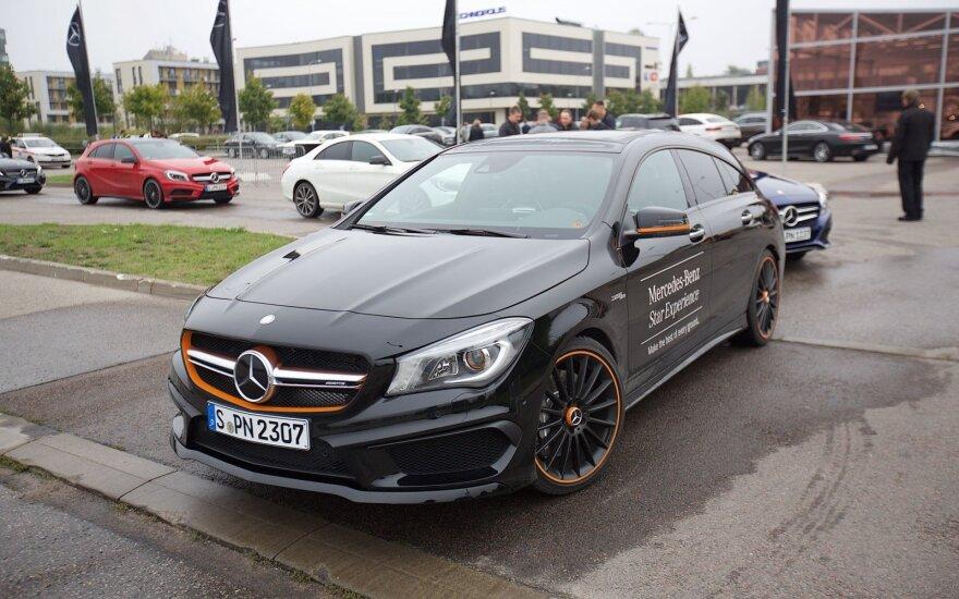 """Vilniuje pristatyti naujausi """"Mercedes-Benz"""" automobiliai"""