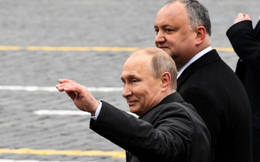 Igoris Dodonas, Vladimiras Putinas