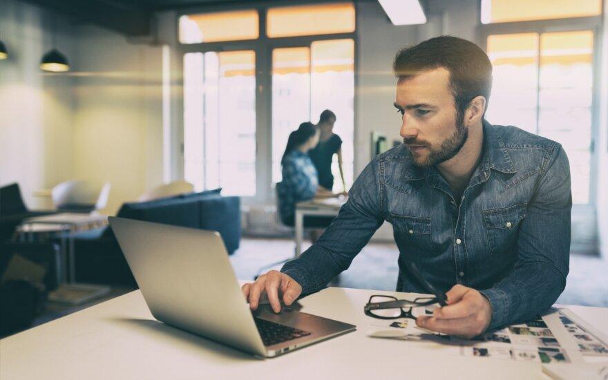 Perspėjimai tiems, kurie darbo kompiuterį naudoja asmeniniams reikalams