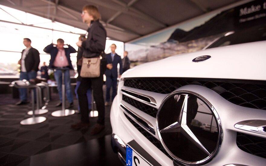 """""""Daimler"""" pelnas užtikrintai auga"""