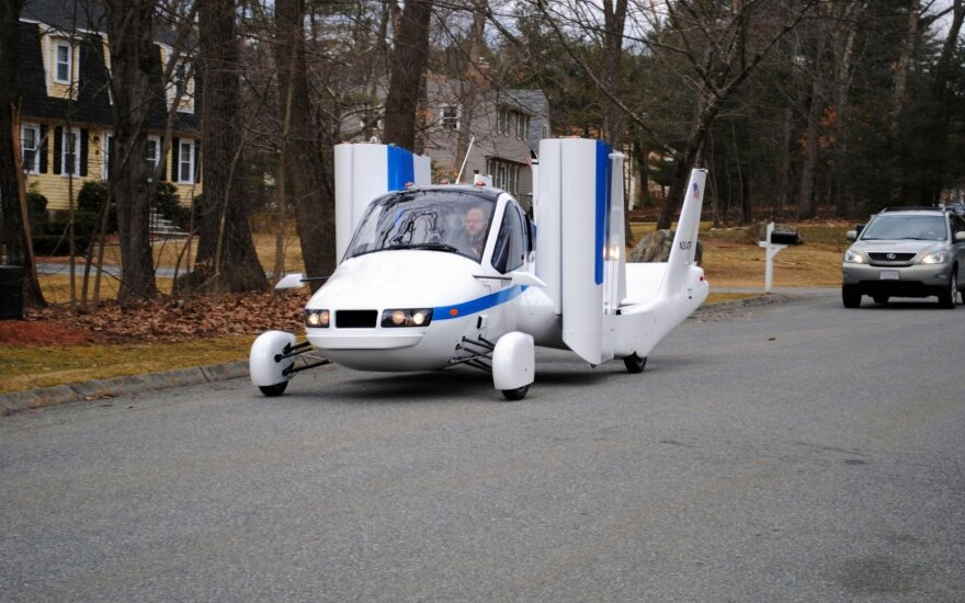 """Geely"" priklausanti ""Terrafugia"" gamins skraidančius automobilius"