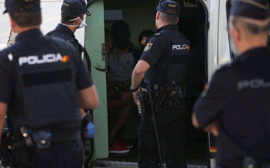 Ispanijoje dėl įtariamo grupinio išžaginimo sulaikyti du britų boksininkai