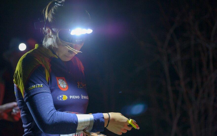 Aklinoje tamsoje miške kovojo dėl šalies orientavimosi čempionų titulo