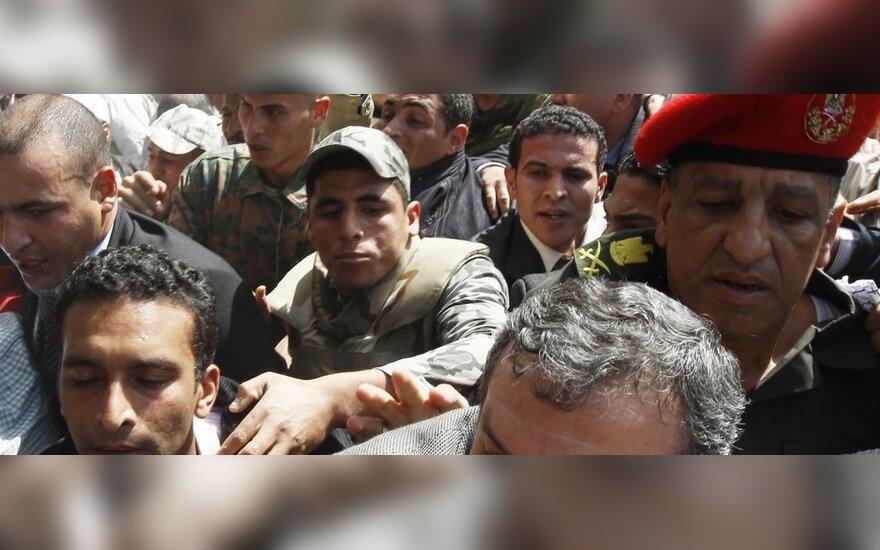 Essamas Sharafas (priekyje)