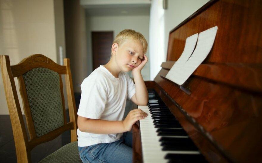 vaikas, berniukas, pianinas, fortepijonas, būrelis, muzika, grojimas,