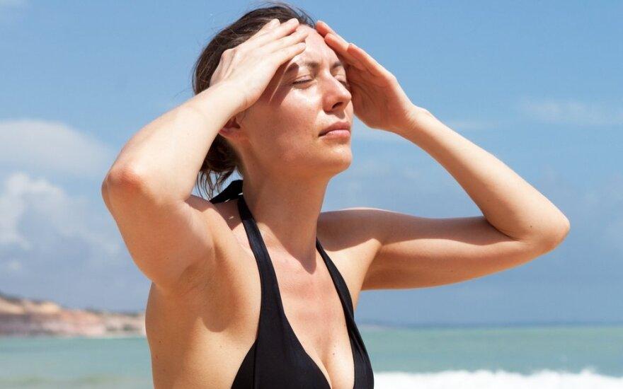 Gydytoja įvardino, kam karščiai pavojingiausi ir kaip save saugoti