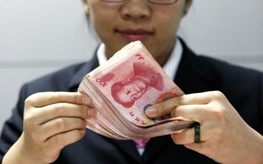 Kinijos juaniui – geriausia savaitė nuo 2005 metų