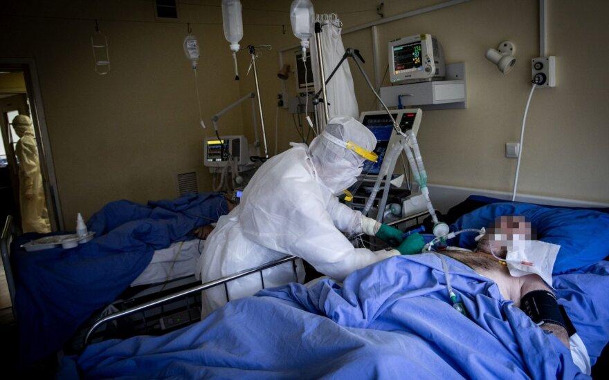 Kokia tikimybė mirti, jei užsikrečiama COVID-19: analizė įrodė, kad šios ligos su gripu nepalyginsi