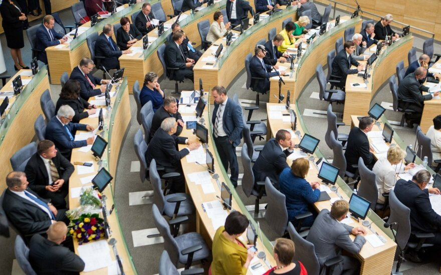 Seimas accepts president's veto on allowing political parties have stakes in media