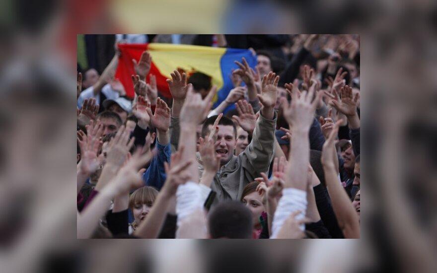 """ES uždegė """"žalią šviesą"""" deryboms su Moldova dėl bevizio režimo"""