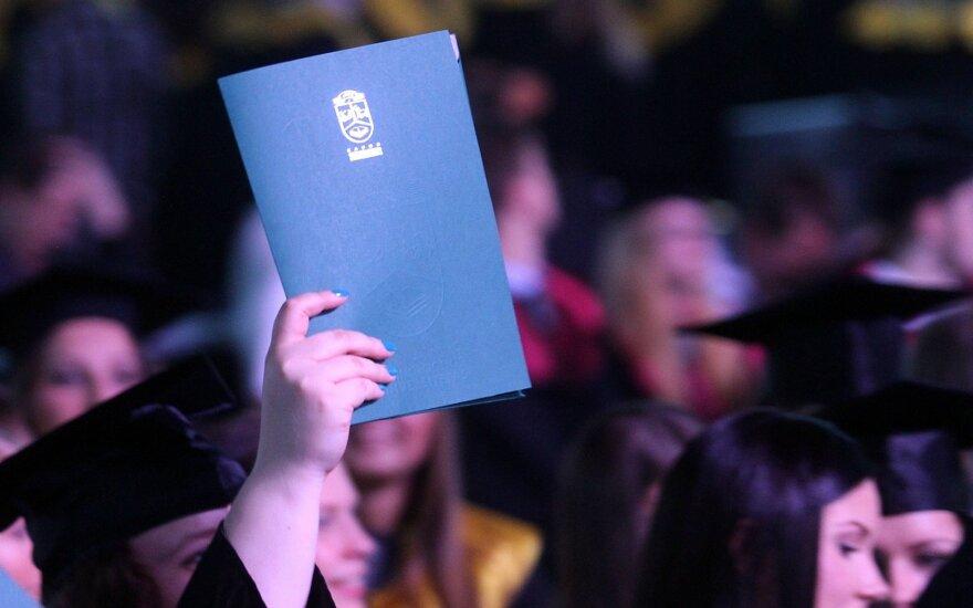 Lūžis jau įvyko: su aukštojo mokslo diplomu – į <em>profkę</em>