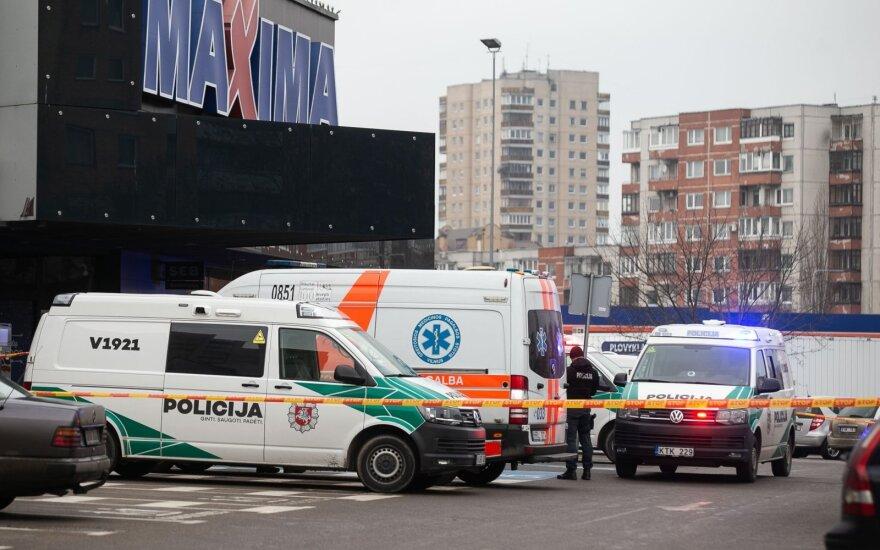 """Dėl įtartino radinio Vilniuje iš """"Maximos"""" evakuoti žmonės"""