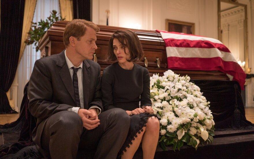 """Filmo """"Žaklina"""" recenzija: nuostabi aktorės N. Portman vaidyba ir blankus siužetas"""