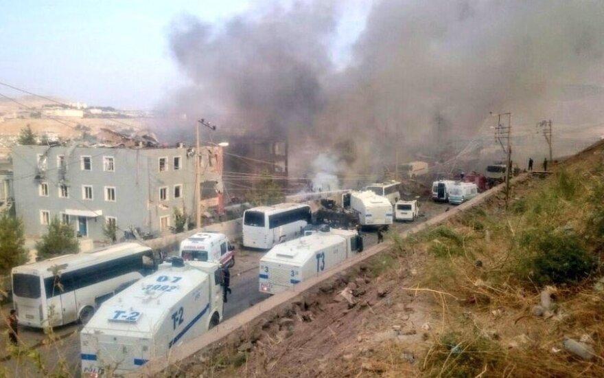 Kurdų kovotojai prisiėmė atsakomybę už mirtiną sprogdinimą Turkijoje