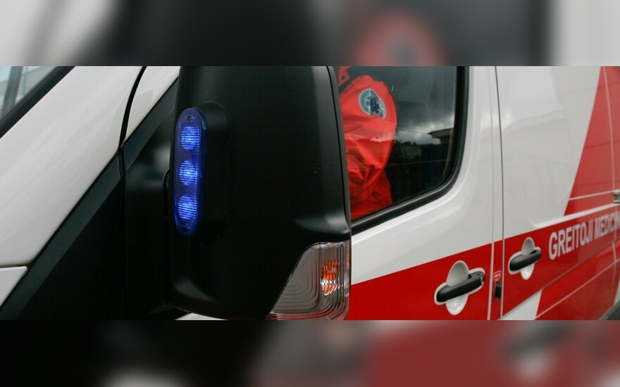 Jonavos rajone nukrito savadarbis lėktuvas, sužalotas 69 metų pilotas