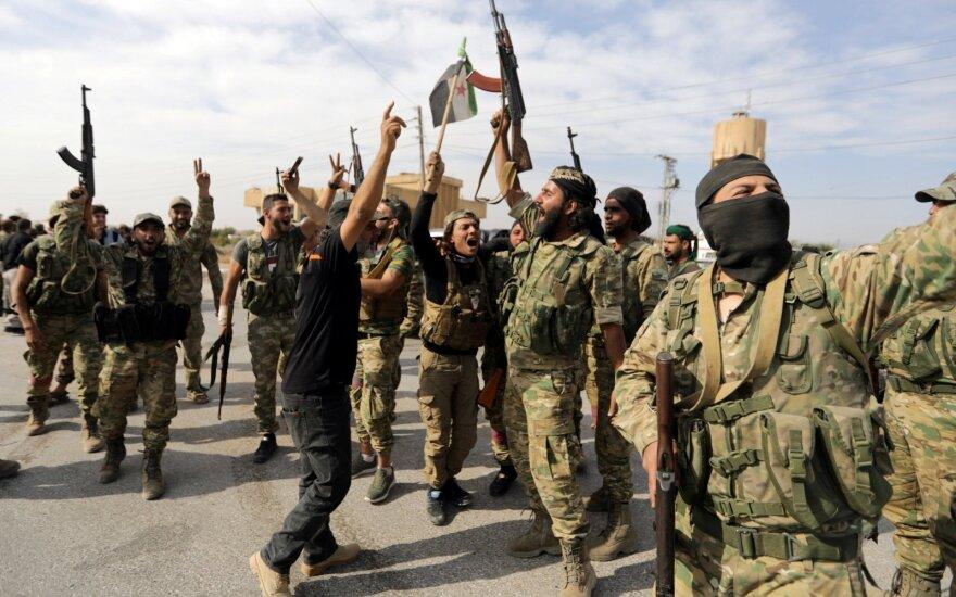 Sirijos kurdai sako norintys laikytis ugnies nutraukimo