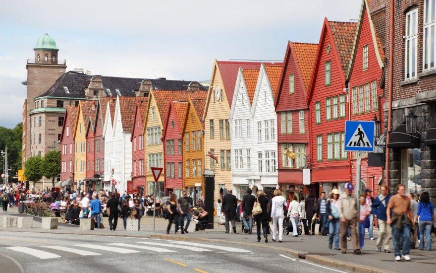 Norvegai pradėjo prašyti pinigų iš šalies milžiniško gerovės fondo