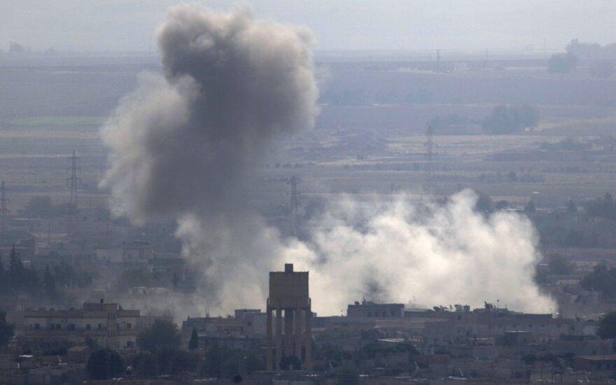 Turkijos pajėgų kontroliuojamoje Sirijos dalyje per sprogdinimą žuvo 17 žmonių