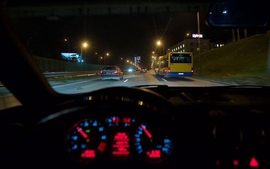 Ką privalo žinoti KET pažeidęs pradedantysis vairuotojas