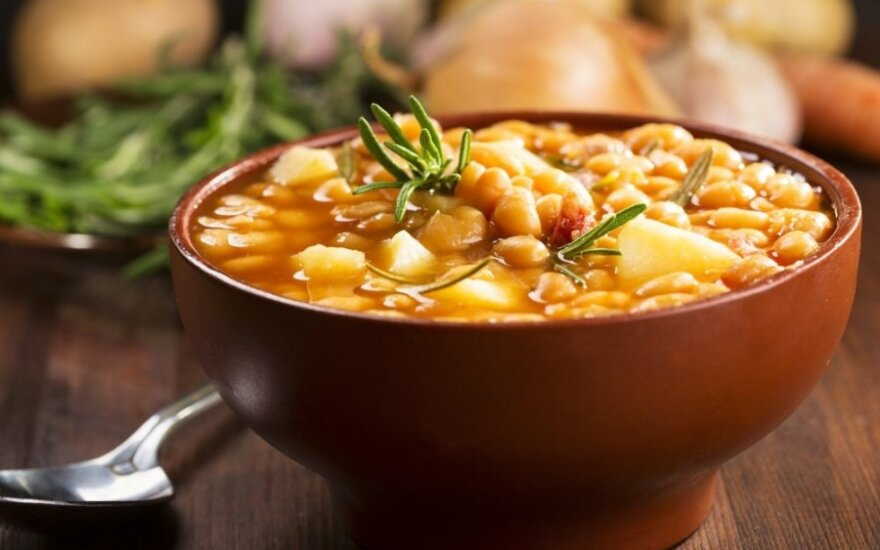 Serbiška pupelių sriuba