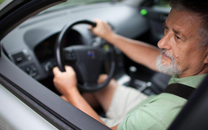 Senas vairuotojas