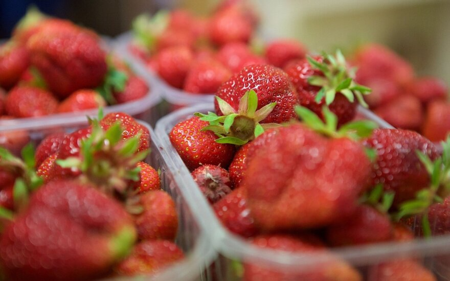 Lithuanian consumers shocked as strawberries hit €9 a kilo