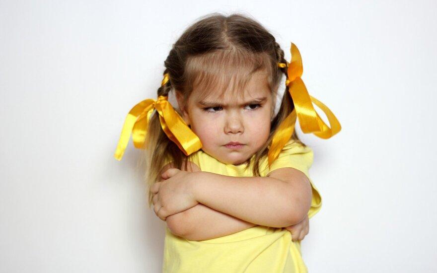 Ragina tėvus ir mokytojus atkreipti dėmesį į vaikų jausmus