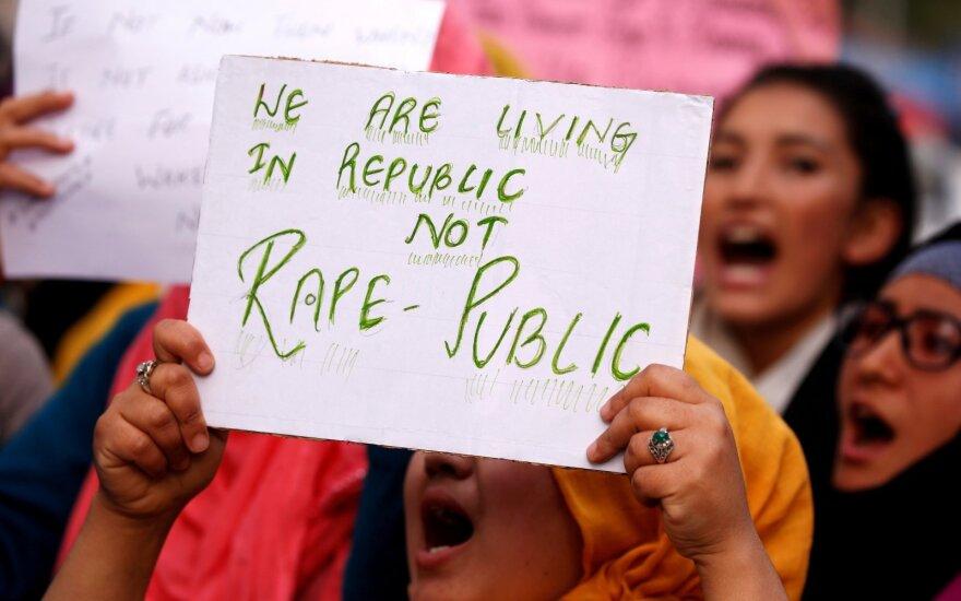 Mitingas prieš seksualinį smurtą Indijoje