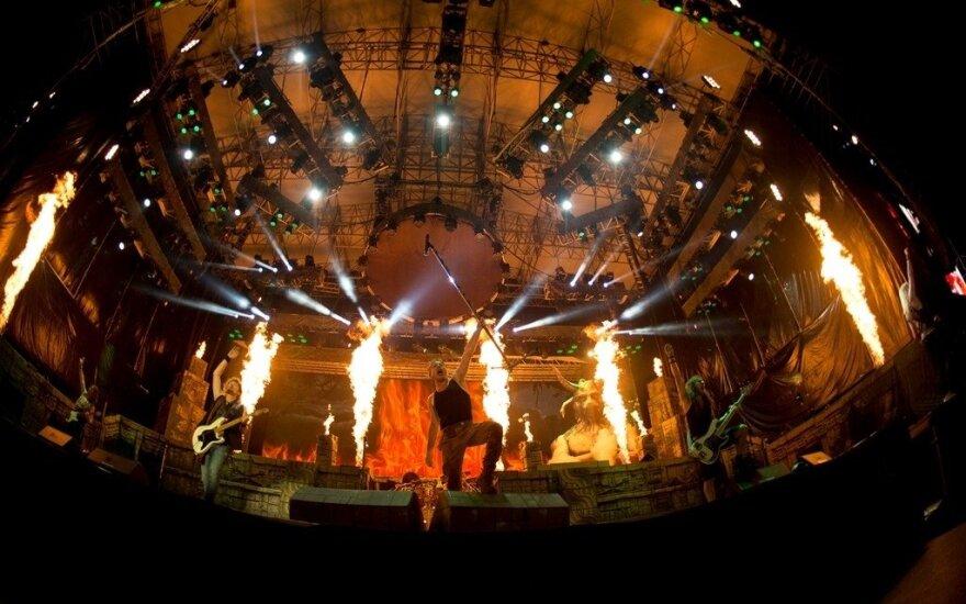 """""""Iron Maiden"""" koncerto akimirka"""