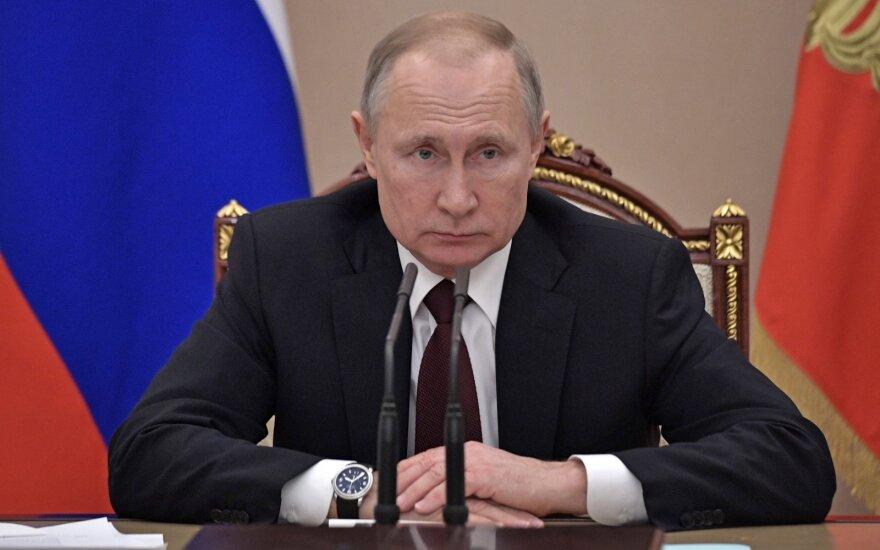 Putinas su piliečiais aptars konstitucijos reformą