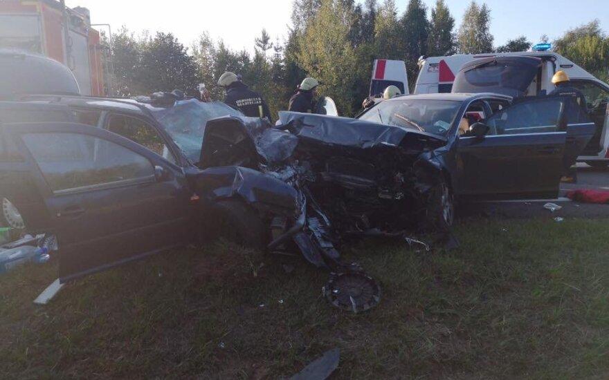 Dėl didžiulės avarijos uždarytas kelias Ukmergė-Jonava-Kaunas, nukentėjo 9 žmonės