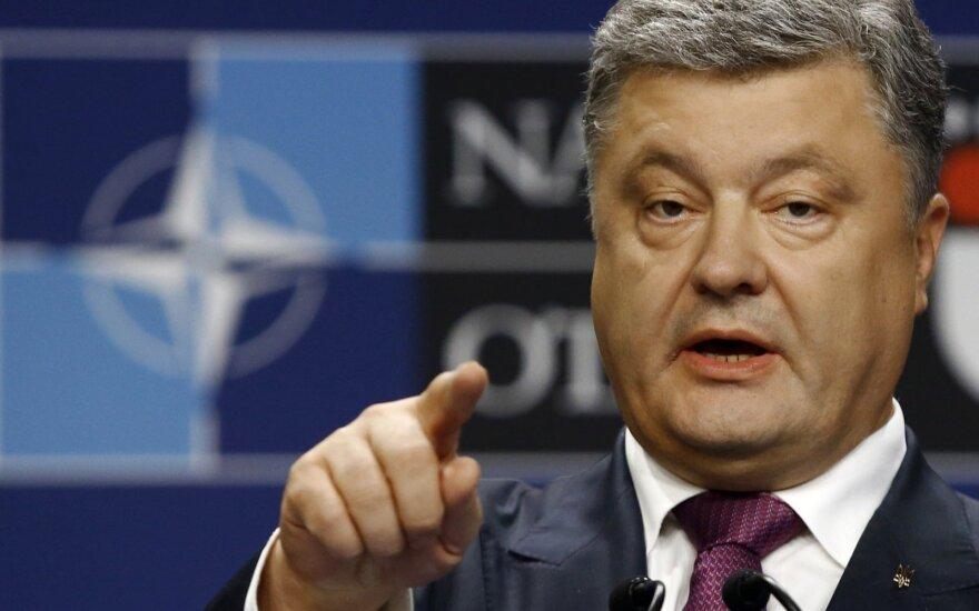 Kijevas: naujasis paliaubų susitarimas Rytų Ukrainoje veikia
