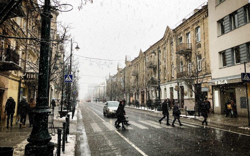 Keliuose – plikledis ir sniegas