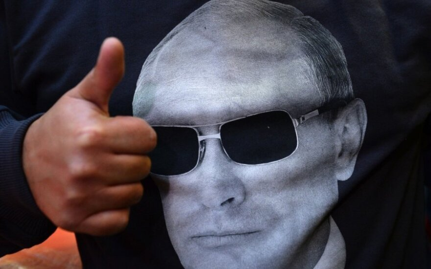 Putin backs down and... wins?