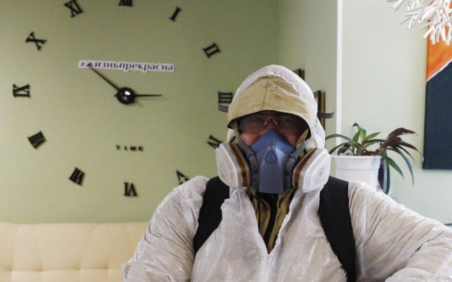 Rusija uždraudė respiratorių, apsauginių kaukių ir kostiumų eksportą