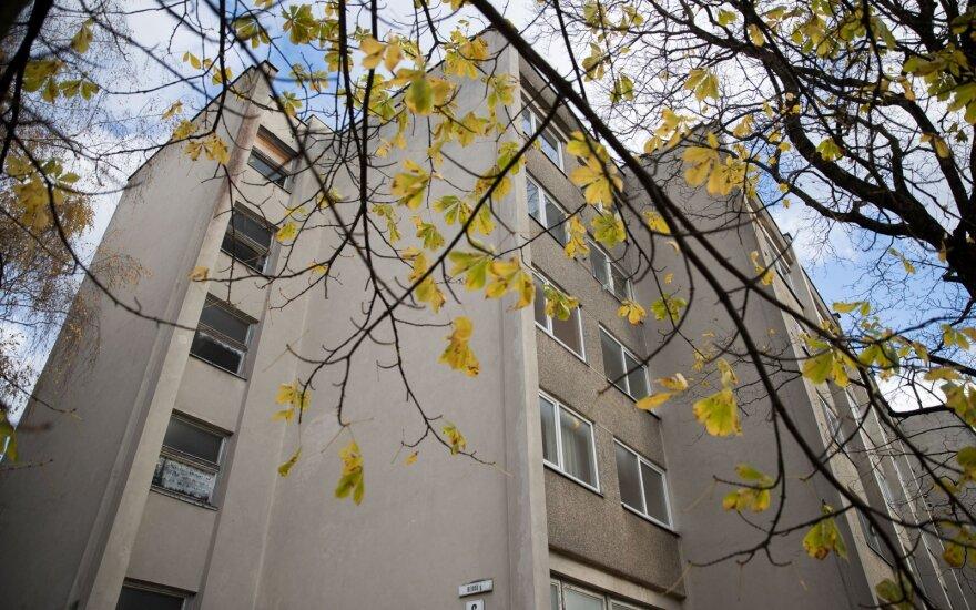 Studentė iškeitė bendrabutį į pigų butą, bet džiaugsmo tai nesuteikė: tai vyksta ne Kariotiškių šiukšlyne, o Vilniuje
