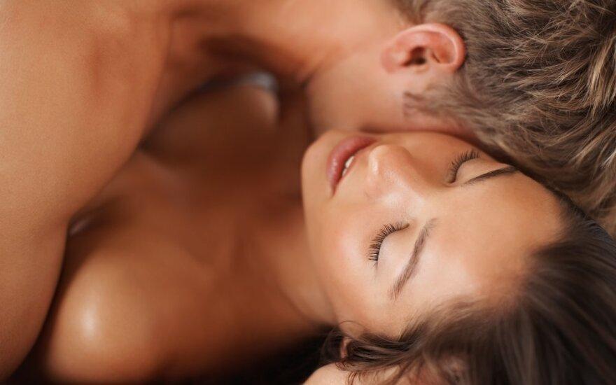"""""""Šaltų"""" moterų nebūna, bet jų seksualumui pažadinti reikia tam tikrų dalykų"""