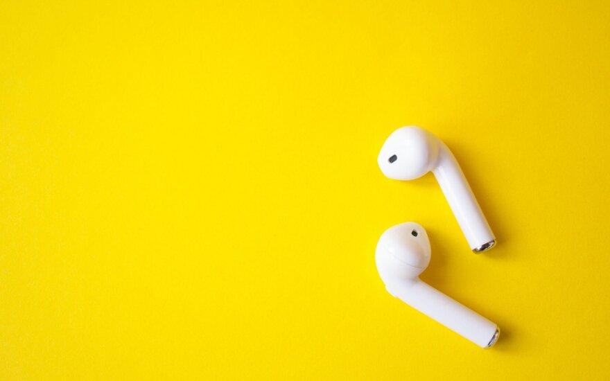 Ausinės, muzika