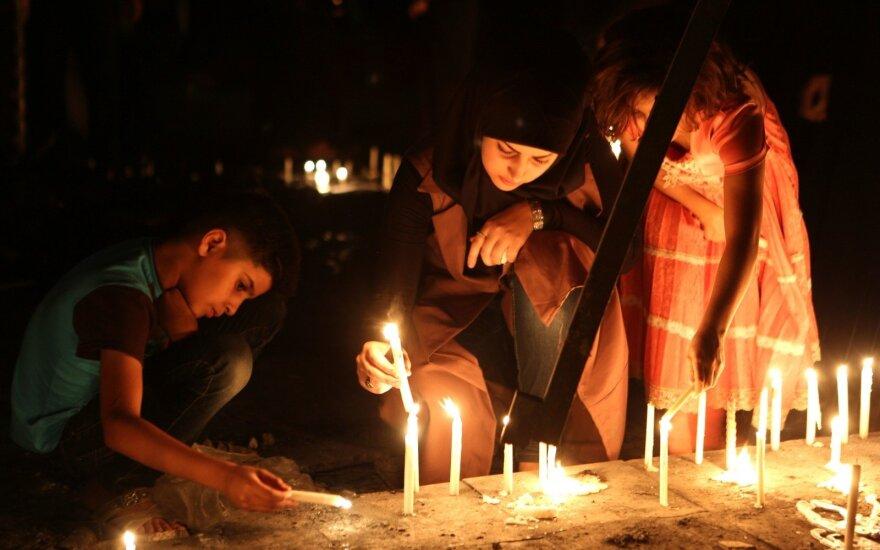 """""""Islamo valstybės"""" įvykdyto sprogdinimo Bagdade aukų skaičius perkopė 200"""