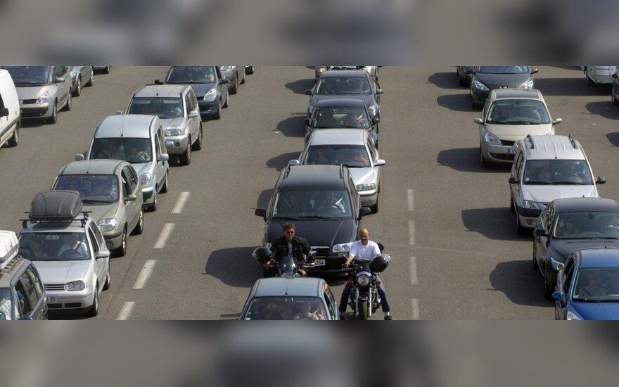 Iki 2050 m. Europoje bus siekiama atsisakyti įprastų automobilių