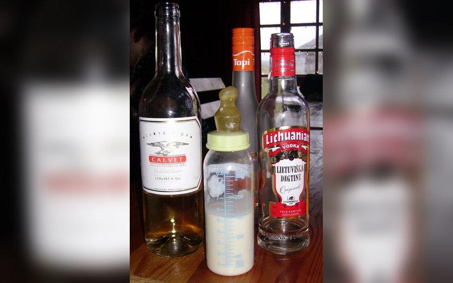Alkoholis, gėrimai, pienas, degtinė