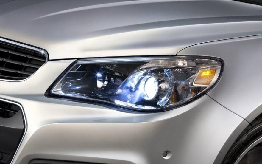 """""""General Motors"""" Kinijoje atšaukia 1,5 mln. automobilių"""